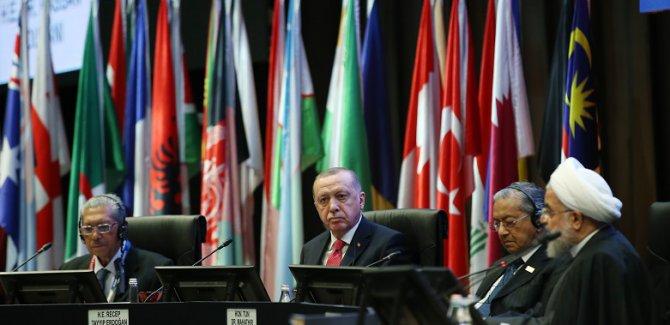 Erdoğan: Şu an 50 bin insan topraklarımıza doğru geliyor