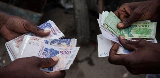 Batı Afrika ülkeleri 74 yıllık Fransız sömürü izlerinden kurtuluyor