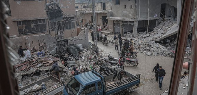 Rusya'nın İdlib'e saldırılarında 9 sivil hayatını kaybetti