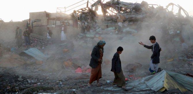 Pazar yerine saldırı: 17 sivil hayatını kaybetti