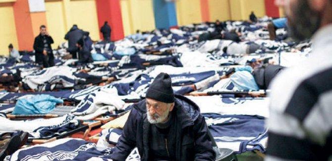 İstanbul'da 8 bin kişi sokakta kalıyor