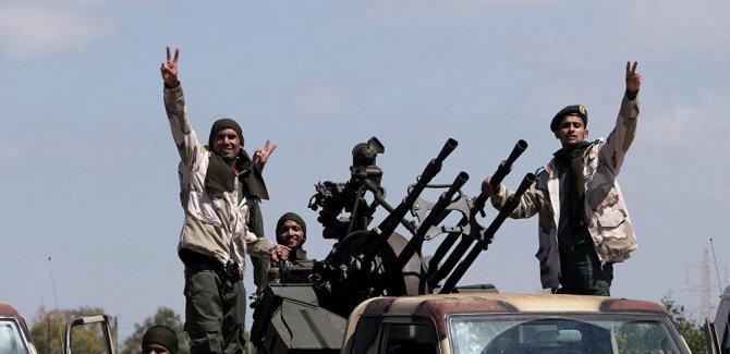 Hafter güçleri: Trablus havaalanına giden yolların kontrolünü ele geçirdik