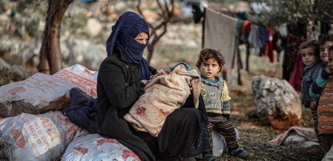 BM: 300 bin Suriyeli İdlib'i terk etti