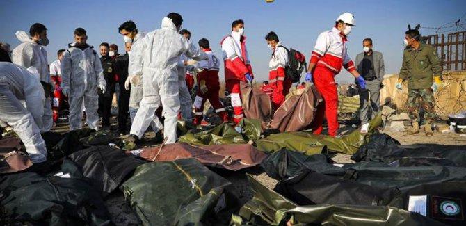İran: Ukrayna uçağı 'yanlışlıkla' füze isabet etmesi sonucu düştü