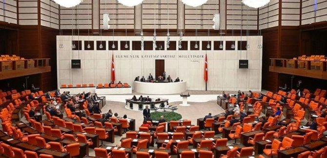 Sağlık Bakanlığı'nın Kürtçe kararı Meclis gündemine taşındı