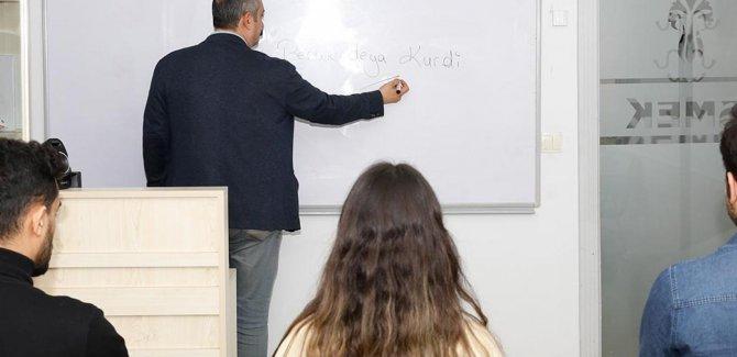 Kürtçe kursuna yapılan başvuru, ilk günden kontenjanın 2 katını aştı