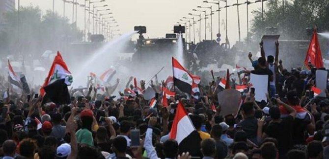 Bağdat'ta göstericilere müdahale: Ölü ve yaralılar var