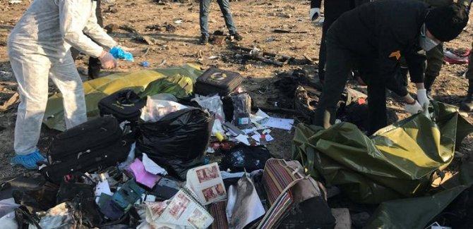İran: Uçak iki füzeyle vuruldu