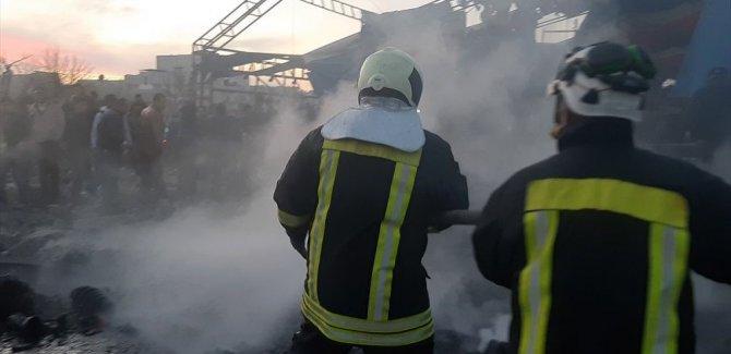 Azez'de bomba yüklü kamyon infilak etti: 7 ölü