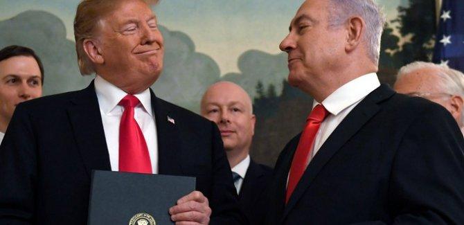 Şeytanın Temsilcileri, Beyaz Sarayda Açıklama Yapıyorlar