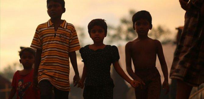 İsveç Kızılhaçı: Mülteci çocuklar yemek ve barınma karşılığında fuhuşa zorlanıyor!