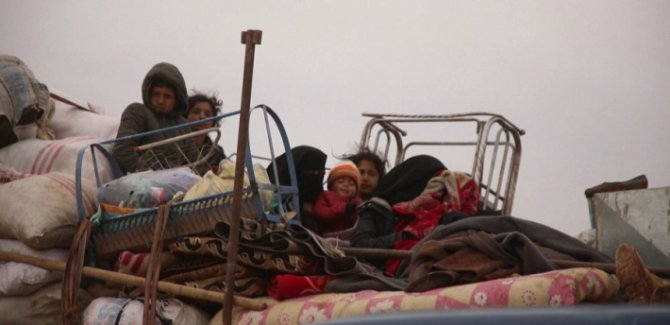 BM: Suriye'nin Kuzeybatı'sından 900 bin kişi göç etti
