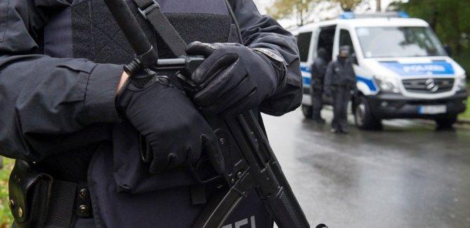 Almanya'da silahlı saldırı: 8 kişi hayatını kaybetti