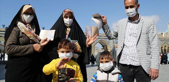 İran: Seçimlerde düşük katılımın nedeni coronavirüs propogandası