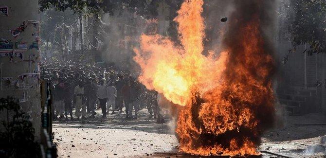 Yeni Delhi'de vatandaşlık yasasına karşı protestolarda 20 kişi öldü