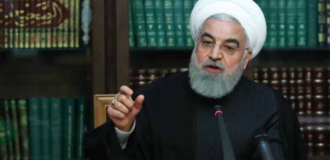 Ruhani:Hiçbir şehir veya bölge için karantina kararı gündemde değil