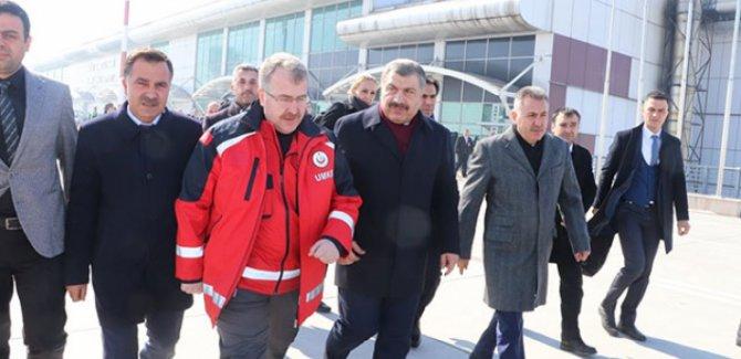 Sağlık Bakanı Koca Ağrı'da: Gürbulak Sınır Kapısı'nda 60 kişiyi takibe aldık