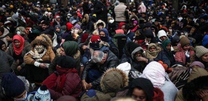 Avrupa yolundaki göçmen sayısı 80 bin 888 oldu