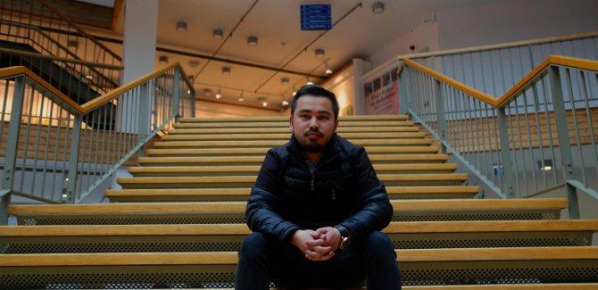 Uygur gençler şantajla istihbarata çalışmaya zorlanıyor