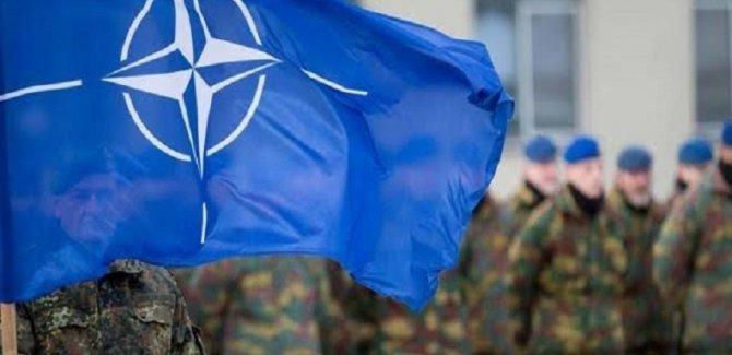 Koronavirüs NATO'ya sıçradı