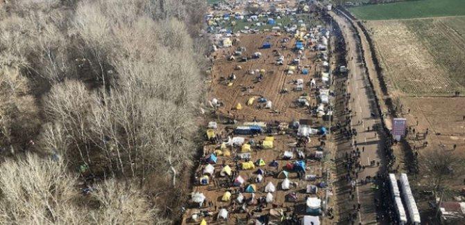 Sığınmacıların sınırda bekleyişi devam ediyor