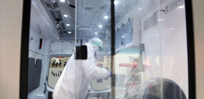 İran'da üst düzey yetkilide koronavirüs çıktı