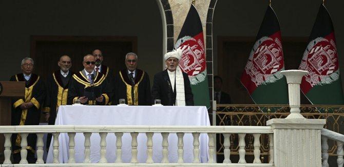 Afganistan Cumhurbaşkanlığı için iki yemin  birden