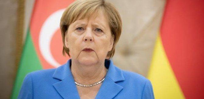 Merkel: Virüs nüfusumuzun yüzde 60-70'ine bulaşacak