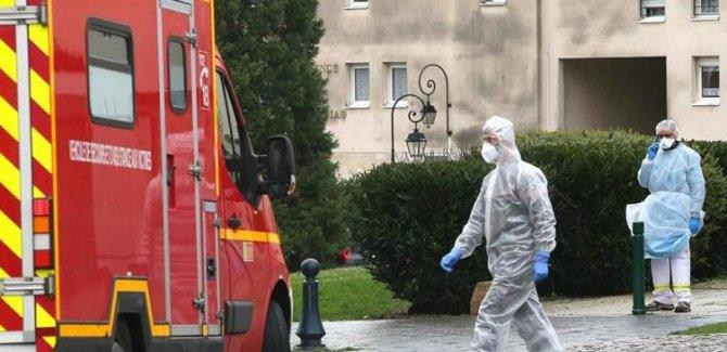Fransa'da koronavirüs nedeniyle ölenlerin sayısı 33'e yükseldi