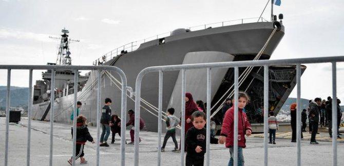 Pro Asyl'den Atina'ya ağır eleştiri, Göçmenler Tutsak