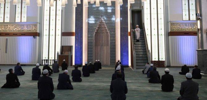 Diyanet:Her hafta başka camide cuma namazı kılınacak