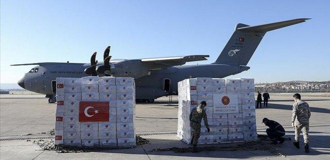 Türkiye'den İngiltere'ye tıbbi yardım malzemesi desteği