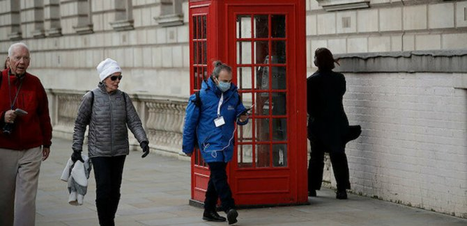 İngiltere'de can kaybı 9 bin 875 oldu