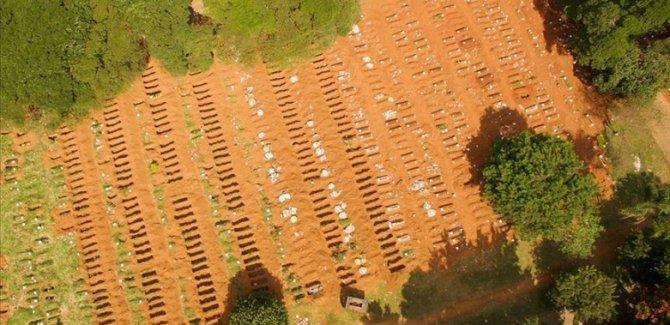 Brezilya'da ölü sayısı arttı, toplu mezarlar kazılıyor