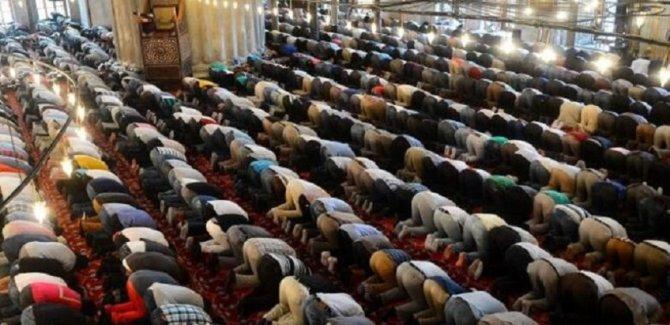 Camilerde ilk Cuma namazının kılınacağı tarih belli oldu