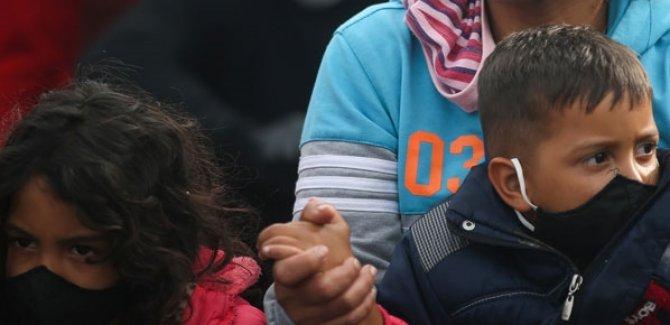 UNICEF: ABD Kovid-19 riskine rağmen 1000 göçmen çocuğu sınır dışı etti