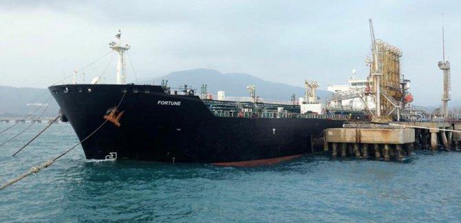 İran'a ait petrol tankerleri Venezüella'ya ulaştı