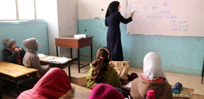Efrin'de Kürtçe eğitim programından çıkarıldı