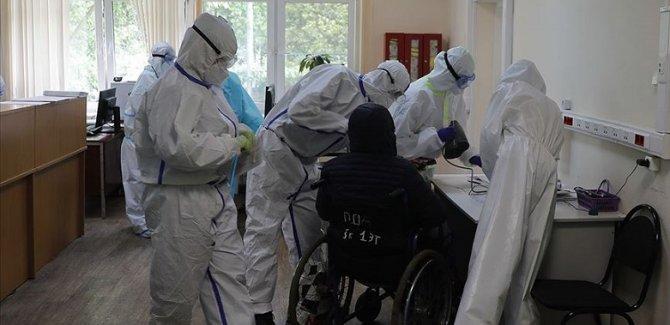 Rusya'da son 24 saatte 8371 yeni vaka, 174 ölüm