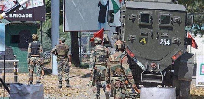 Hindistan Ordusundan Keşmir'deki Sivillere Saldırı