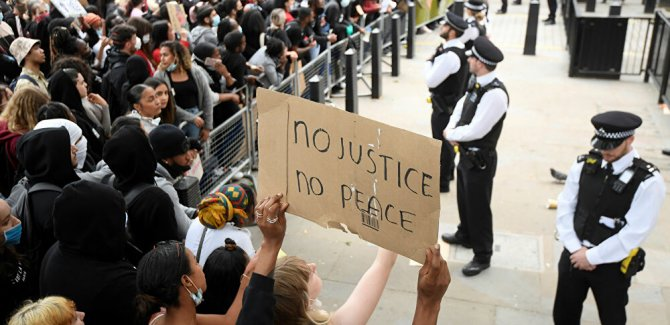 Londra'da 'İngiltere masum değil' sloganları atıldı