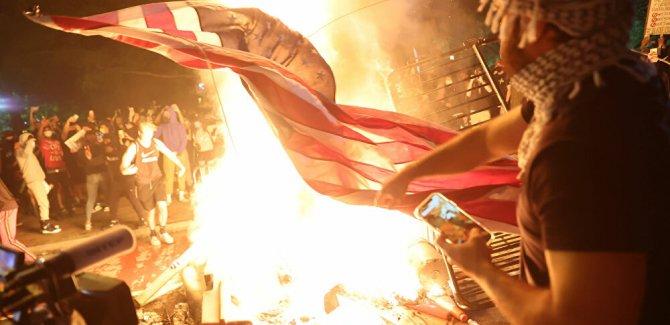 Rusya, Türkiye, İran ve Çin, ABD'nin yaşadığı çöküş nedeniyle kutlama yapıyor