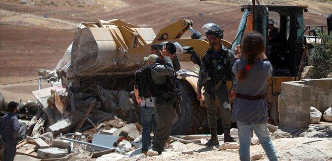 İşgalci İsrail Kudüs'te 8 çocuklu Filistinli aileyi evsiz bıraktı