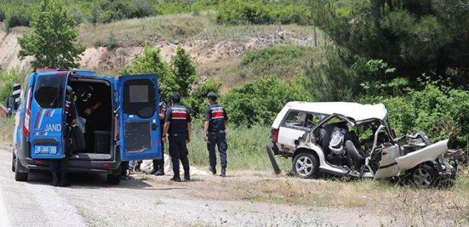 Balıkesir'de feci kaza:Aynı aileden 6 kişi yaşamını yitirdi