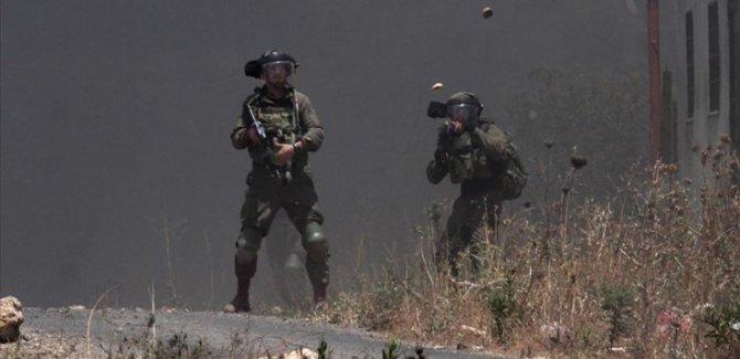 Siyonist Rejim Filistinlilere Ateş Açtı