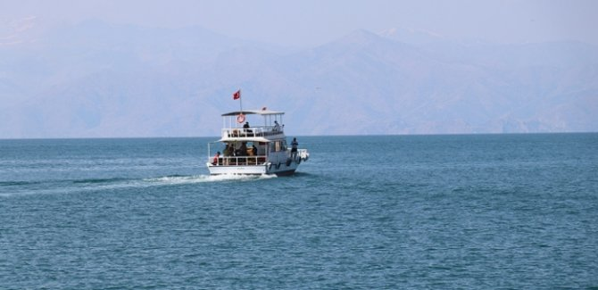 Tekne faciasında kaybolan 4 kişiye daha ulaşıldı