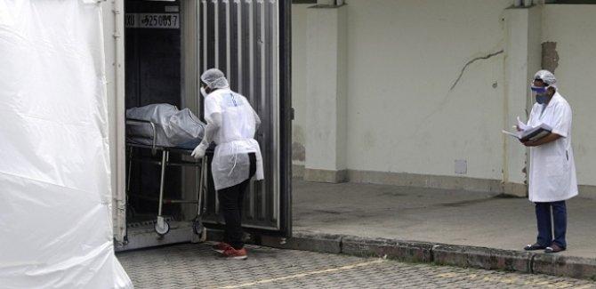 COVİD-19'dan son 24 saatte Brezilya'da 1156, Meksika'da 737, Hindistan'da 757 kişi öldü