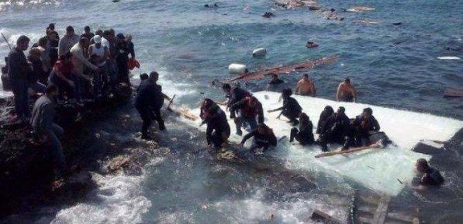 İtalya'nın Lampedusa adası, sığınmacı akınına uğradı
