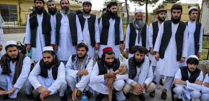 Afganistan 400 Taliban mahkumunu serbest bırakacak