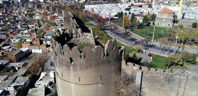 Diyarbakır'da AK Parti'nin 12 ilçe başkanı istifa etti